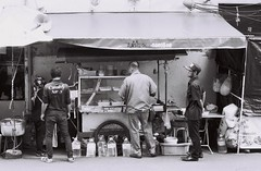 Thong Lo - Bangkok (35mm) (jcbkk1956) Tags: bangkok thailand thonglo street stall cart streetfood vendor mono blackwhite filn film ilford ilfordpan100 analog pentax pentaxk2 35mm manualfocus worldtrekker securityguard 50mmf17