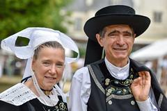 fête des brodeuses (Patrick Doreau) Tags: costume défilé coiffe breton bretonne bretagne culture tradition cornouailles doreau