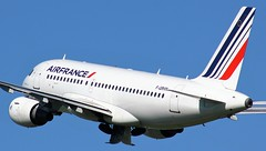 F-GRHM (AnDyMHoLdEn) Tags: airfrance a319 egcc airport manchester manchesterairport 23l