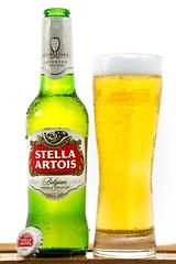 Stella Atois  Beer / Cerveza (Carlos M.C.) Tags: producto artois fotografía product cajon prueba shot stella test belgiumbeercervesa