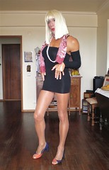 Karen (Karen Maris) Tags: crossdress crossdresser tg tgirl tgurl tranny trannie karen tights pantyhose transsexual transvestite transgender legs sheer scarf heels