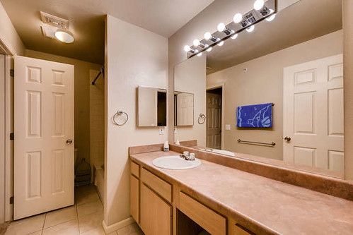Photo - 2510 Taft Unit 216 Boulder CO-small-008-2-Master Bathroom-666x445-72dpi