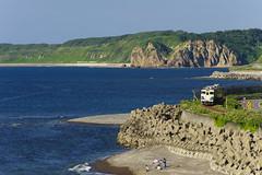 海岸線を行く五能線 (MomoRingo58) Tags: 西津軽郡 青森県 日本