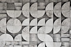 Quarterbacks (Fotoristin - blick.kontakt) Tags: pattern abstract front building architecture lines curves quarter blackandwhite budapest wall quarterbacks fotoristin