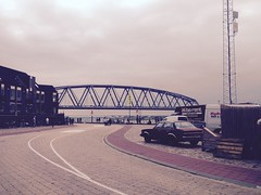 Chevrolet Malibu (BP-83) Tags: chevrolet malibu nijmegen nederland the netherlands holland vierdaagse walk world classic car youngtimer klassiek klassieke klassieker auto gelderland waalkade bridge bridges oversteek spoorbrug brug