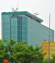 Gedung Yosindo (Everyone Sinks Starco (using album)) Tags: surabaya eastjava jawatimur building gedung architecture arsitektur office kantor