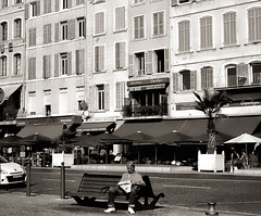 pause (Le Xuan-Cung) Tags: pause vieuxport marseille southernfrance streetphotography