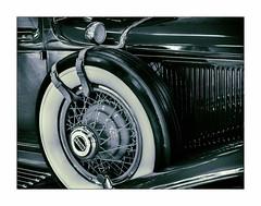 D52+1DSC_0571 (2y) (A. Neto) Tags: afsnikkor35mm118g d5200 nikkor nikon nikond5200 automobile cord antique museum historical car wheel tire tyre blackwhite monochrome bw details