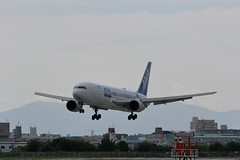 UP3A4642 (ken1_japan) Tags: 大阪国際空港 伊丹空港 itm 伊丹スカイパーク スカイランドハラダ japan osaka airplane ana jal canon 7dmkⅱ ef70200mm f28lisiiusm