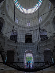 It's Playtime in the National Museum of Singapore (Steve Taylor (Photography)) Tags: nationalmuseumofsingapore netting dome gallery art architecture building museum black asia city singapore men