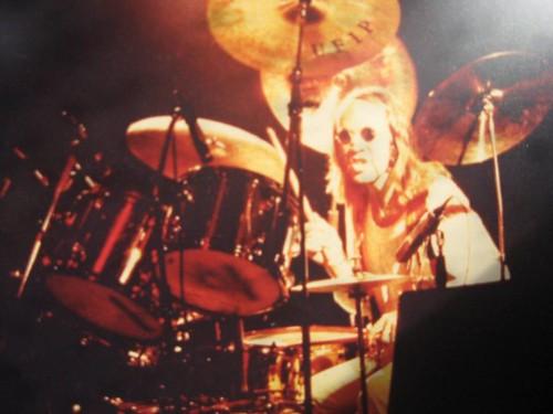 "Gilberto ""Attila"" Rossi  #rock #blues #jam #dalvivo #drums #rocknroll #batteria 🎥 #elettritv #funky #jamsession 🎸 #ivangraziani #gilbertorossi #vasco #forli #california #concerti #italy #usa #rome #tibervalley #roma #italia📷 ] ;"