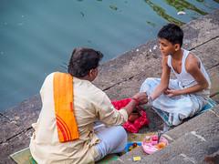 Mumbai 2015 (hunbille) Tags: india mumbai birgittemumbai1lr ghat walkeshwar temple complex walkeshwartemple malabarhill malabar hill bangangatank banganga tank lake bombay