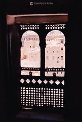 199909 Yemen Hadramaut (85) Seiyun (Nikobo3) Tags: asia orientemedio arábiga arabia penínsulaarábiga yemen hadramaut desierto desiertoramlatassabatayn culturas travel viajes fujicolorsuperia100iso película nikobo joségarcíacobo urban street nikon nikonf70 f70 sigma70300456 seiyun