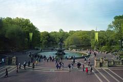 Central Park - 1 (Ogeido) Tags: gsw690 mediumformat 120 film expired lomography centralpark newyork water park trees citypark people usa lomo