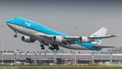 KLM 747-400 rocketing out of Amsterdam for LAX (Nicky Boogaard) Tags: boeing airbus aviation dmaviation aircanada klmcityhopper aa americanairlines kalittaair deltaairlines 787 dreamliner easyjet a319 747 freigther 747400 777200 77w 7878 7879 embrear e175 jetairways united keniaairways