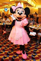 Minnie Mouse (sidonald) Tags: tokyo disney tokyodisneyresort tdr disneyambassadorhotel chefmickey シェフ・ミッキー ディズニーアンバサダーホテル greeting グリーティング ミニー minniemouse minnie