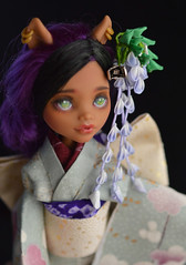 BJD Monster High Wisteria Empress Akashi (1) (Bright Wish Kanzashi) Tags: tsumami zaiku kanzashi silk dyed handmade tsumamizaiku tsumamikanzashi japanesetechnique flowers handdyed bespoke hanatsukuri цумами канзаши 簪子 instaart supportartists 手作り customorderswelcome etsyseller hairpin オーダーメイド 手染め ハンドメイド 伝統工芸 つまみ細工 簪 コーム ヘアアクセサリー brightwishkanzashi wisteria fuji purple bjd doll hairaccessory dollaccessory monsterhigh custom clawdeen 16size handmadekimonoandobi kimono obi