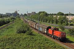 DBC 6477 met trein 62071 (kevinpiket) Tags: dbcargo db 6400 6477 diesellocomotief dieselloc goederentrein goederenvervoer buurtgoederentrein electrolux witgoed geslotenwagens schuifwandwagens spoorlijn alphenadrijn zuidholland nederland canon 60d guterzuge zuge train freighttrain