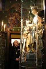 El prelado del Opus Dei visita a la Virgen de la Merced de Barcelona (Opus Dei Communications Office) Tags: virgendelamerced barcelona preladoopusdei fernandoocáriz opusdei