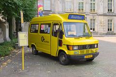 Zuidooster 7675 - 's-Hertogenbosch (rvdbreevaart) Tags: buurtbus zuidooster shertogenbosch geel openbaarvervoer publictransport öpnv bus jaune gelb museumbus veteraan autobussen mercedes mercedesbenz