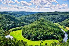 Le Tombeau du Géant, Realistic version (Jochem.Herremans) Tags: vegetation grafvandereus hike letombeaudugéant nature day meadow panorama tombs clouds trees sightseeing panoramic touristic scenic sky tombstoneofthegiant valley view landscape landmark mountains géant outdoor rural madau viewpoint ardennes tombeau countryside trip country scenery beautiful river belgium leisure tourism bouillon green hills giant travel walk