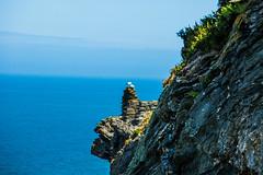 Love on the Rocks (Geordie_Snapper) Tags: canon5d3 canon70200mmf4islusm canon2470mm cornwall delabole june landscape summer tintagel tintagelcastle