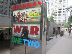 War of the Planet of the Apes Poster 8570 (Brechtbug) Tags: war planet apes poster beekman theater marquee billboard ad standee posters 2017 film movie profile 07152017 action movies films billboards plastic statue scary adventure ceasar caesar theatre advertisement chimp chimpanzee gorilla maurice orangutan 66th 67th street 2nd avenue new york city
