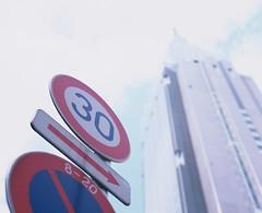 Sunny SHINJUKU (YUKIHAL) Tags: pentax67 smc p67 105mm f24 rdpiii fujifilm film provia100f 120 mediumformat analog 67 6x7 pentax