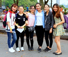 English Students and Teachers (Alex88 - Thanks for 77 Million Views) Tags: girls women hanoi vietnam six people street