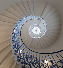 Spiral- Tulip Staircase (Wizard CG) Tags: london greenwich spiral staircase architecture tulip circle circular steps stairs stairway railing queens house building uk gb england europe