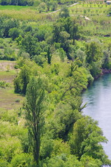 35 - Bosnie-Herzégovine, Počitelj, au bord de la Neretva (paspog) Tags: europe rivière river fluss mai may 2017 bosnieherzégovine počitelj neretva