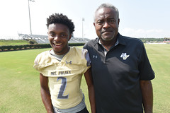 Safety officer's son makes inspiring comeback on ESPN (NashvilleCorps) Tags: jalansowell sowell jamessowell mtjuliethighschool mtjuliet tennessee makeawish corpsofengineers nashvilledistrict usace takingcareofpeople football runningback espn nevergiveup pulmonarycondition unitedstates