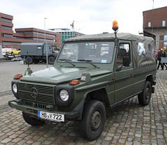 Wolf (Schwanzus_Longus) Tags: schuppen 1 eins bremen german germany old classic vintage vehicle military army bundeswehr mercedes benz 4x4 car offroad offroader bent g wagen wagon 250gd wolf
