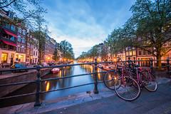 Canal de nuit - Amsterdam - Pays bas (ColorLyon LM's) Tags: canal de nuit amsterdam pays bas nederland night eau water