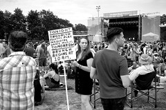 """""""Troubled youths play mediocre dance music"""" (Andy Marfia) Tags: chicago westloop unionpark pitchfork music festival pitchforkmusicfestival candid sign crowd stage youth mediocre dance sonyrx100 1500sec f40 iso125 blackwhite"""