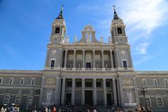 2017 SPM0111 Catedral de la Almudena (Almudena Cathedral) in Madrid, Spain (teckman) Tags: 2017 catedraldelaalmudena europe madrid spain comunidaddemadrid es