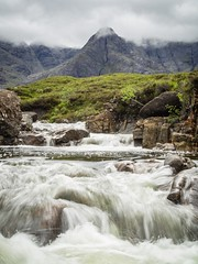 The Fairy Pools - Isle of Skye (Arnaud Gremillon) Tags: cascade waterfall mountain montagne skye isle scotland ecosse nuage cloud clouds nuages eau water river rivière