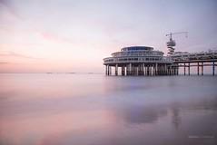 Scheveningen Pier (Raymond van der Zalm) Tags: scheveningen pier sea salmon creations cloudy nd filter water beach netherland strand bungy restaurant