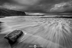 Tormenta (Perluti) Tags: bw bn costa sea mar nikon d7000 perluti seascape nature storm tormenta rain lluvia cloud nube longexposure light flickr cpl dslr nd neutraldensity densidadneutra nd8 suances loslocos playa beach cantabria spain españa