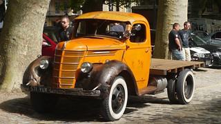 International D3 Flatbed Truck 1940 (4)