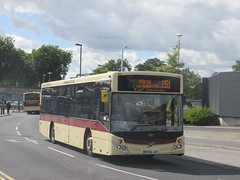 East Yorkshire 387 BT65JGY Hull Interchange on 151 (1280x960) (dearingbuspix) Tags: eyms eastyorkshire 387 bt65jgy