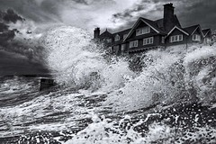High tide. (bainebiker) Tags: waves sky hightide monochrome building seawall seafront canonef24mmf14liiusm