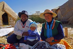 Früh übt sich... (sacipere) Tags: uros puno titicaca peru floatingislands