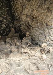some of the 300 skeletons in Herculanium (neilalderney123) Tags: cneilhoward2017 herculanium naples italy skeleton death volcano olympus