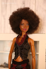 funky queen (photos4dreams) Tags: queenp4d barbie mattel doll toy diorama photos4dreams p4d photos4dreamz barbies girl play fashion fashionistas outfit kleider mode puppenstube tabletopphotography aa beauties beautiful girls women ladies damen weiblich female funky afroamerican afro schnitt hair haare afrolook darkskin