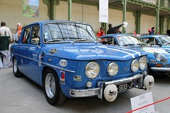 #195 Renault 8 Gordini 1967 (seb !!!) Tags: française français french französisch frankreich francia frança francese francês francés blanc blanche white blanco branco bianco weiss bande strip streifen tira striscia bleu blau blue azul blu berline chrome 2017 auto automobile automovel automovil automobil canon 1100d cars course sportive anciennes ancienne old oldtimers populaire paris seb france voiture wagen car tour optic 2000 grand palais race racing competition photo picture foto image bild imagen imagem classique classic klassic