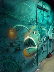 Artiste inconnu(e) (juillet 2017) (Archi & Philou) Tags: streetart inconnu unknown paris14 réhabilitation rehab maisondesartsetmétiers artsetmétiers poisson profondeur fish monstre monster