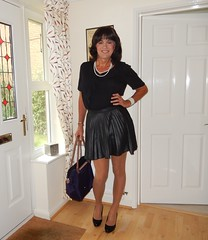 Another short skirt (susansmithtv) Tags: transvestite crossdresser cd tv tg tgirl tgurl tranny