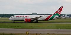 Kenya Airways Boeing 787 Dreamliner 5Y-KZE at AMS (RTM Boy) Tags: boeing boeing787 dreamliner kenyaairways amsterdam ams 5ykze kq116