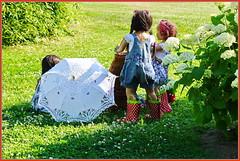 Rücksicht im Park ... (Kindergartenkinder) Tags: dolls himstedt annette park blume garten kindergartenkinder essen grugapark personen blumen sanrike milina sommer kindra setina